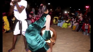 SABAR DANCE ASS CLAP FROM SENEGAL