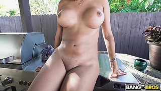 Hot ass cougar Nicole Rey gives a titjob and rides like a pro