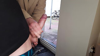 I pull out my cock in front of the neighbor's daughter.