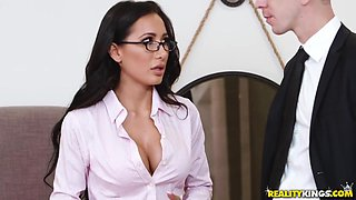 Puts Ot Her Favotite Sexy Lingerie To Fuck Her Boss For Pormotion With Amia Miley And Markus Dupree