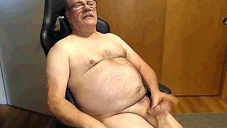 dad jerks off and cum