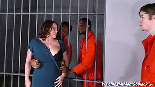 Horny black dudes fuck sex-appeal busty white mommy of their cellmate
