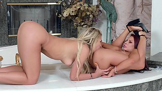 Carmen Caliente and Madison Ivy love having sex in the bathroom
