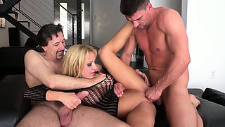 Amy Brooke can get a little dirty together with Steve Holmes