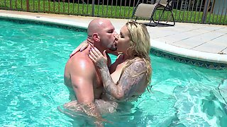 MILF gets dick by the pool in hot cheating session