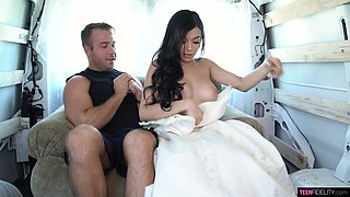 Stunning brunette Savannah Sixx gets her slit rammed after a steamy blowjob session