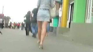 Up skirt hot sexy girl on spy camera