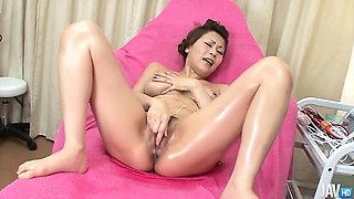 Big titty   Yuki Aida is oiled up at the hospital and left