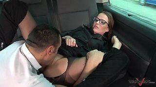 Brunette Samantha loves hardcore fucking in stranger's car