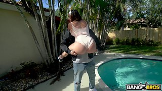 Hardcore fucking between a white guy and kinky Latina Julianna Vega