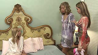 Lesbian babe pussylicking clit pierced MILF