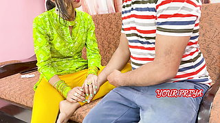 YourPriya Behan gives first experience to bhai to dump her GF