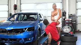 RIM4K. Car mechanics anus is tongued by a sexy short-haired
