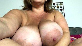 Slutty amateur flashing her big boobs in the backseat