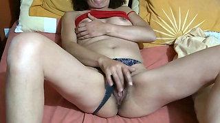 I enjoy my stepniece's hairy pussy, she gets turned on and mastu