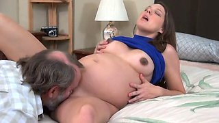 Daddy fuck 9 months pregnant daughter