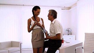 OLD4K. Dazzling brunette with ease seduces old boss