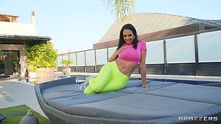Seductive model Katrina Moreno enjoys getting fucked in outdoors