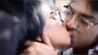 Chalti Bus Me Kiya  Hot Babe Ke sath Sex