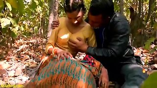 Jungle Mai Mangle - Jungle Mai Ladki K Gand Mari