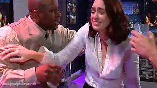 Jodi Tayor Works At The Bar With Jodi Taylor