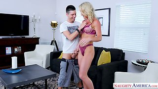 Killing hot mommy Sydney Hail hooks up with friend of her son