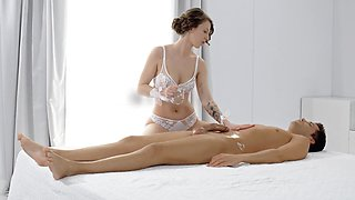 Massage grants this hot babe the perfect chance to devour a cock