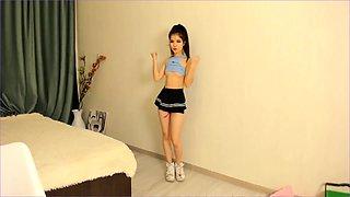 Tiny asian lift her skirt and fingering
