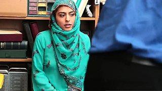 Young teen pussy masturbation and fisting Hijab-Wearing Arab
