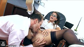 Secretary Loves Deep Anal With Her Boss In The Office