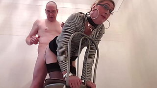 Sloppy secretary gives her boss a sloppy blowjob