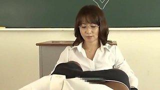 Horny Japanese chick Reiko Makihara in Amazing Cougar, POV JAV movie