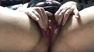 Masturbate hairy pussy in front of cam