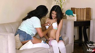 Harmony Wonder and Missy Martinez ennjoy fist time kissing and pussy licking