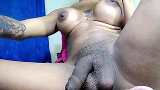 Webcam amateur woman topless free big tits show