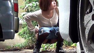 Girls Splash About Town - PissJapanTV