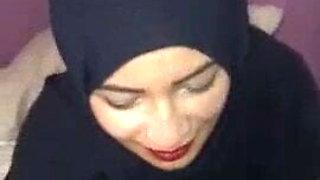 Om Shahd Sharmota Mn Maadi Blowjob