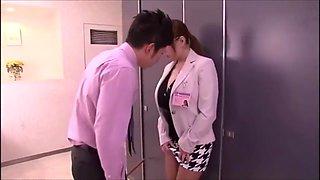Hitomi In The Toilet - Hitomi Tanaka