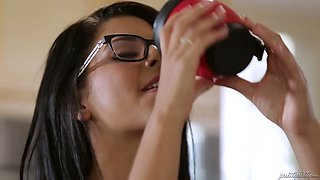 Svelte Brazilian cutie Gina Valentina is mouthfucked by some studs
