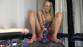 Petite webcam teen blonde monster dildo anal riding