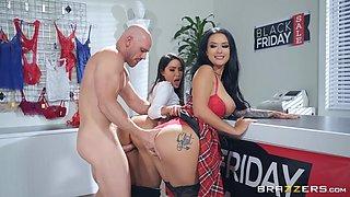 Tattooed sluts Katrina Jade and Lela Star swap cum in a threesome