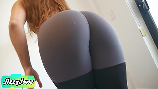 Cute and Fit Stepsis Makes Me Cum In Her Panties and Leggings