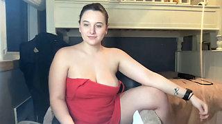 Sexy curvy babe's livestream talk and nude spreading