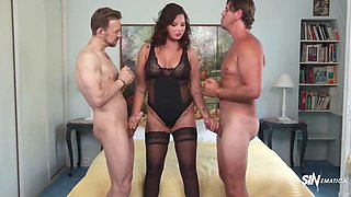 Busty European Milf Anna Double Penetrated By Two Studs