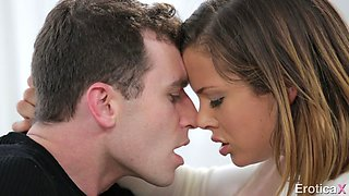 Guy Passionately Fucks His Sensual Babe