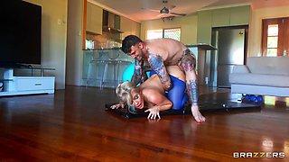 Savannah's Anal Yoga Free Video With Savannah Bond  & Gabriel Trigger - Brazzers