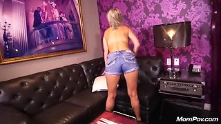 Tabitha (innocent Freak Cougar Loves Anal One Night Stands)
