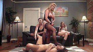 Slavegirl is having bondage inauguration into lesbian gang