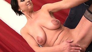 Cougar Likes Black she wants deepthroat cumshot mouth